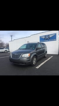Chrysler - Town and Country - 2010 Roseville, 48066