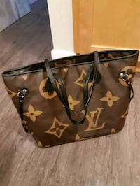 Neverfull MM Big Monogram Louis Vuitton w/ Wristlet Calgary