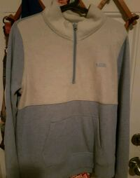 New womens vans fleece size m New Westminster, V3M