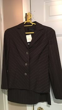 Brand new woman suit, Size 4 Toronto, M3H 2T6