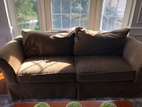 Green 2-seat sofa Ashburn, 20147