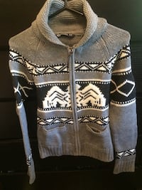 Zip up sweater  Toronto, M2R 3M9