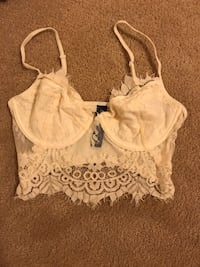 Lace crop top size small  Guelph, N1L 0B5