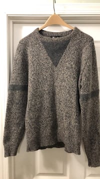 Men's sweater, size Medium. Millstone Township, 08510