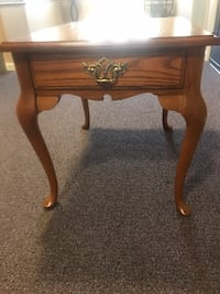 End table-Bassett Perry Hall, 21128