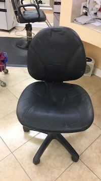black leather padded rolling chair Vienna, 22182