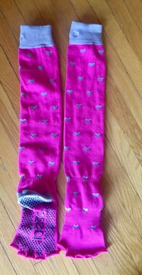 New ToeSox with grip for women and toddler yoga mat Toronto, M4E 3G2