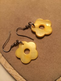 Flower earrings  Edmonton, T6E 0R2
