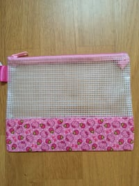 HELLO KITTY mulch soft bag B6 パリ, 75004