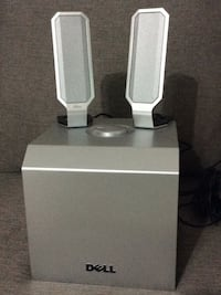 Two speakers and woofer from dell Calgary, T2M