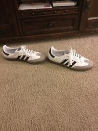 Adidas shoes used size 11 in men's worn once  Clinton Township, 48038