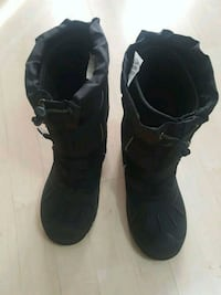 Winter boots for boys Mississauga, L5M 4Z6