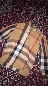 Authentic Burberry shirt  Chestermere, T1X 1S3