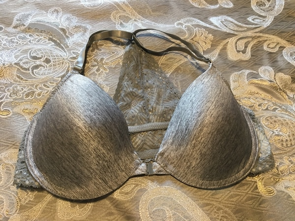 b8e02889e6 Used Jessica Simpson front closure bras sz 36C for sale in Calgary ...