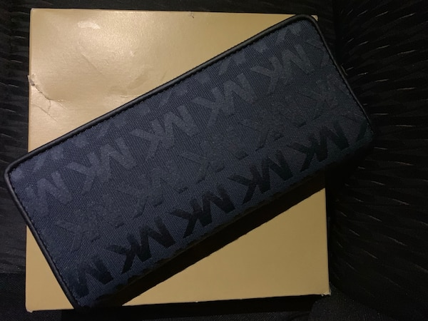 7859ce76498a Used Michael Kors Wallet - never used in original box for sale in ...
