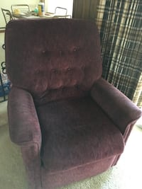 Lift chair that reclines