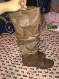 Pair of brown leather knee-high boots Culpeper, 22701