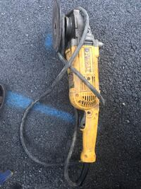 Yellow and gray dewalt angle grinder 47 km