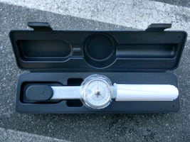 """Brand New 1/4"""""""" drive 0-100 in/lbs torque wrench - $60"""