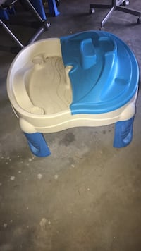 beige and blue table play set Greenville, 29615