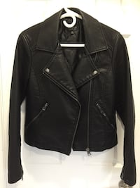 Size 6 , medium . Top shop , wore once excellent condition . Nice fitted , warm , black faux leather.  Toronto, M8W 4W3