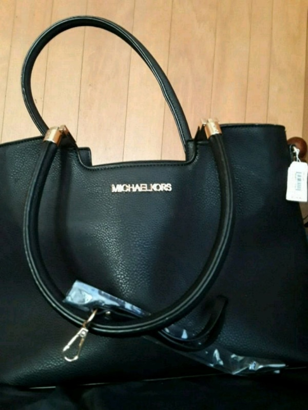 0bdec61e2bd3 Used Michael Kors handbag for sale in Lake Charles - letgo