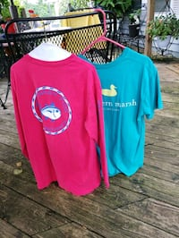 Ladies meduim southern marsh an southern tide shir