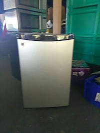 white top-mount refrigerator Davenport, 33837