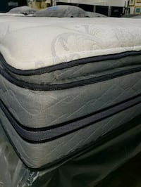 Queen mattress plush pillowtop