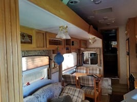 Jayco 5th wheel excellent for family trips, imagine your trips in this