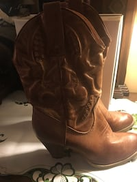 Women's boots size 10 Gambrills, 21054