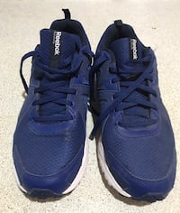 Reebok running shoes men's size 9 almost new Toronto, M6H 3S4