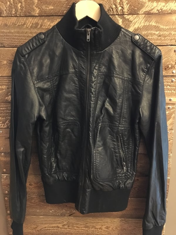 LIKE NEW Faux leather jackets a300386b-479d-4f7d-b0f3-20b9da295d23