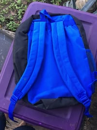 blue and black zip-up jacket Highlands, 77562