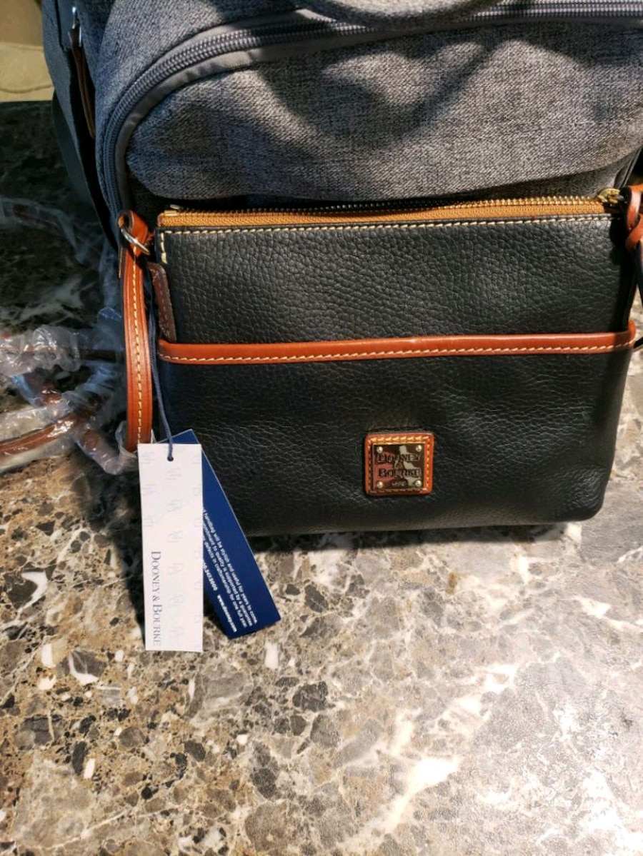 Photo Dooney & Burke Black and Tan Leather Ginger Purse