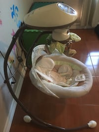 baby's white and green cradle n swing Clearwater, 33760