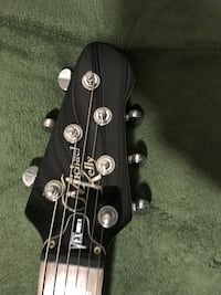 Electric guitar selling for 350 Pinole, 94564