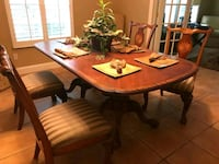 Mosaic wooden table with four chairs dining s Orlando, 32819