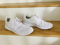 Nike Roshe shoes all white size 10.5