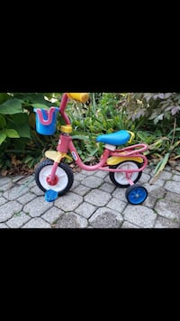 Little tykes bicycle with training wheels  Pickering