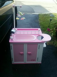 pink and white sink playset Hamilton