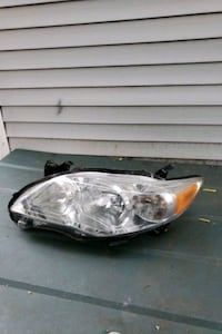 Toyota Corolla drivers headlight (2011-2013) North Providence, 02904