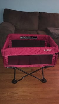 Kid Co bassinet. (Will throw in a FREE home made baby blanket your chose for GIRL or BOY) Ajax, L1Z 1J5