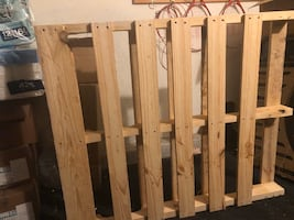 One free wood pallet
