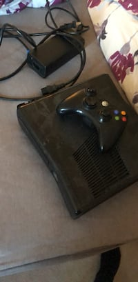 black Xbox 360 game console with controller Brampton, L6V 4J2