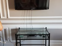 Glass top sofa table/tv console L'Île-Perrot, J7V 9B1