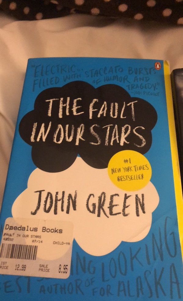 2 books Red riding hood and the fault in our stars 09474420-c60d-41a2-ab1f-1d252c15ed97