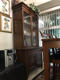 China Cabinet/Showcase antique Annandale, 22003