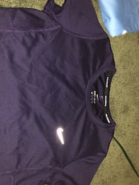 Nike work out top White Rock, V4B 2X5