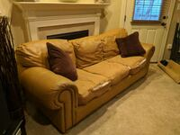 Couch Frederick, 21704